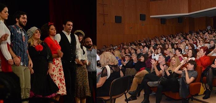 Τραγούδι, χορός, γέλιο και λίγο δάκρυ στην παράσταση «Βίρα τις Άγκυρες»