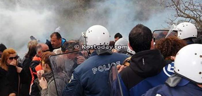 Ένταση και χημικά σε συγκέντρωση διαμαρτυρίας κατά του hotspot στην Κω