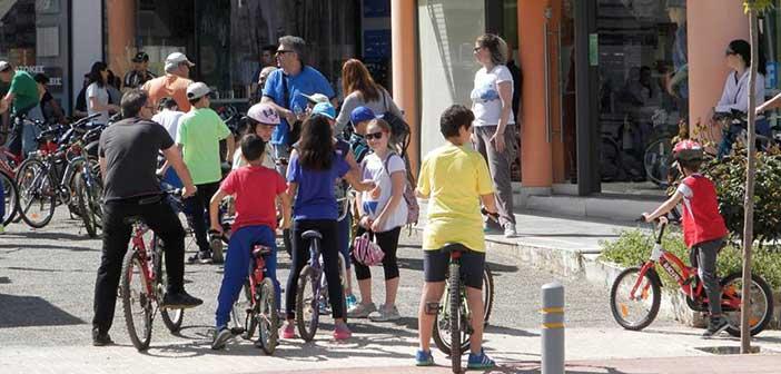 Βολτάρουμε με ποδήλατο στην Αγία Παρασκευή