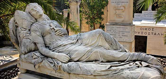 Στα γλυπτά του Α΄ Νεκροταφείου μας ξεναγεί η Πολιτιστική Λέσχη Φιλοθέης