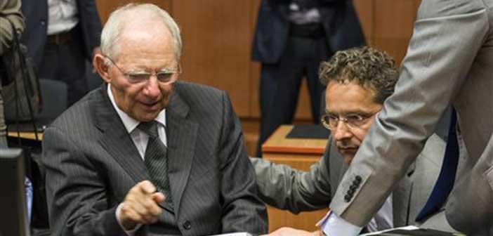 Το «μπαλάκι» στην Ελλάδα για κλείσιμο της αξιολόγησης πετά ο Σόιμπλε