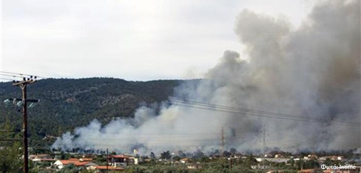 Ένας νεκρός και δύο τραυματίες από πυρκαγιά στους Αγίους Θεοδώρους