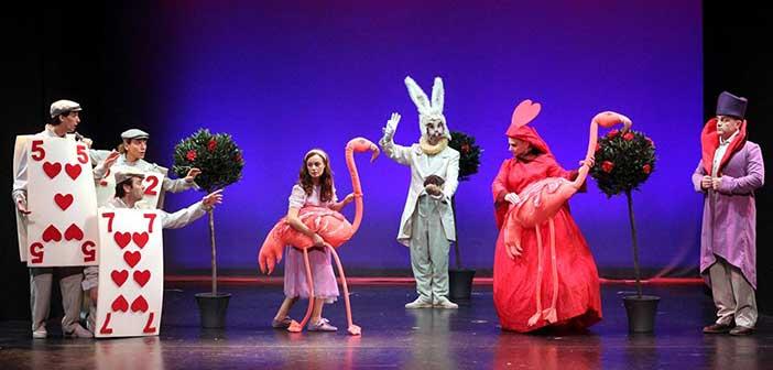 «Η Αλίκη στη χώρα των θαυμάτων» στο Θέατρο «Αλίκη Βουγιουκλάκη»