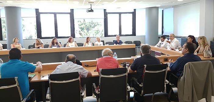 Σύσκεψη δημάρχου Ηρακλείου με τους διευθυντές νηπιαγωγείων & δημοτικών