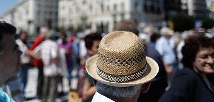 «Βουλιάζουν» στη φτώχεια οι συνταξιούχοι από το 2019