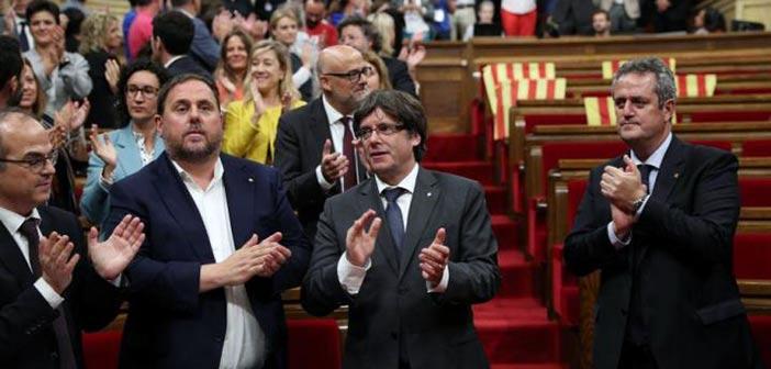 Το καταλανικό κοινοβούλιο ανακήρυξε την ανεξαρτησία