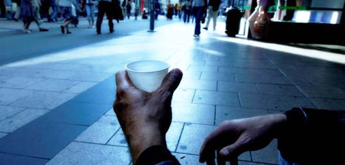 SOS εκπέμπει η Eurostat: Ένας στους τρεις Έλληνες ζει σε συνθήκες φτώχειας