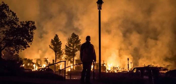 Χιλιάδες πυροσβέστες στη μάχη με τις φλόγες στην Καλιφόρνια