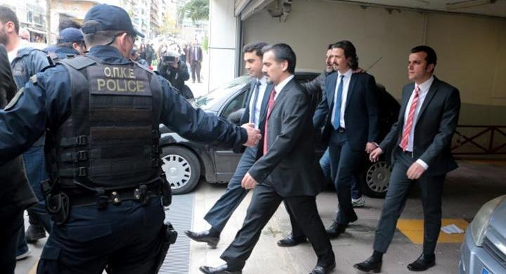 ΣτΕ: Ελεύθερος, με περιοριστικούς όρους, ο ένας από τους οκτώ Τούρκους στρατιωτικούς