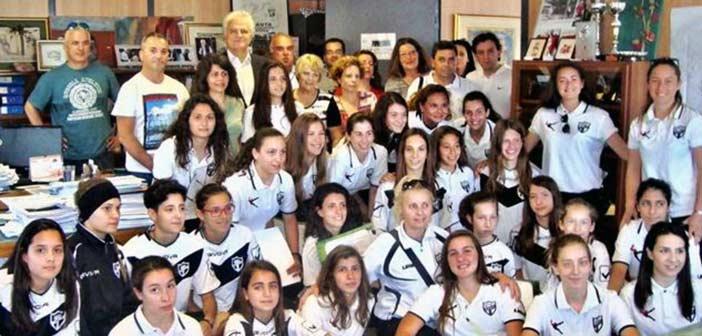 Βράβευση γυναικείων ομάδων της «ΣΑΝΤΑ» από τον δήμαρχο Αγ. Παρασκευής