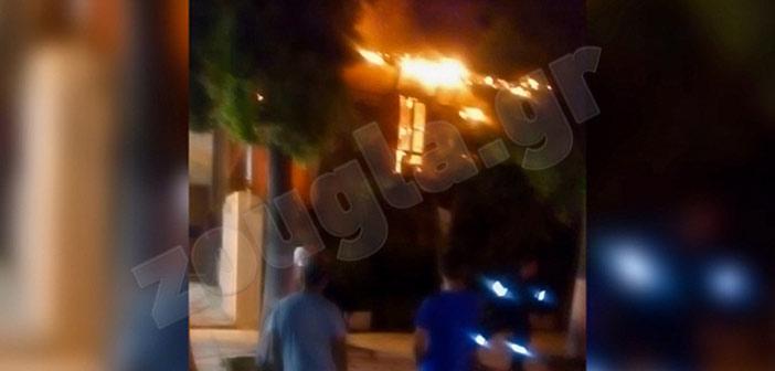 Πυρκαγιά σε διώροφη μονοκατοικία στη Νέα Φιλαδέλφεια
