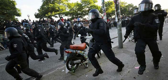 Συμπλοκές με εννέα τραυματίες σε διαδηλώσεις στη Γερμανία μεταξύ ακροδεξιών και αριστερών