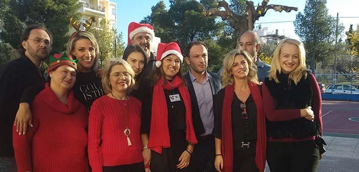 Ο Δ. Κατραμάδος στο χριστουγεννιάτικο bazaar του 4ου Δημοτικού Σχολείου Πεύκης