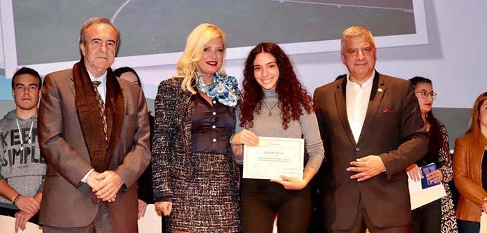Εισαχθέντες σε ΑΕΙ & ΤΕΙ σχολείων του Αμαρουσίου βράβευσε η πρόεδρος του Ομίλου για την UNESCO Β.Π.