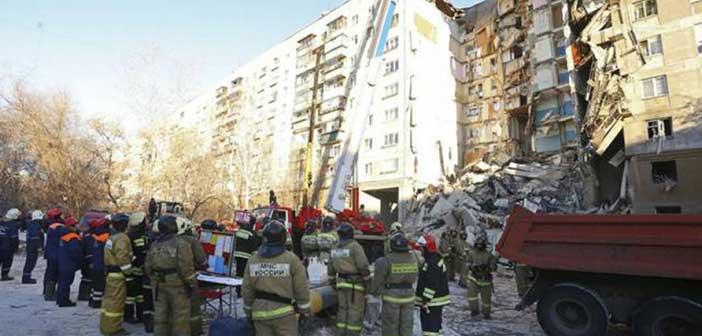Στους 31 οι νεκροί στην πολυκατοικία που κατέρρευσε στη Ρωσία