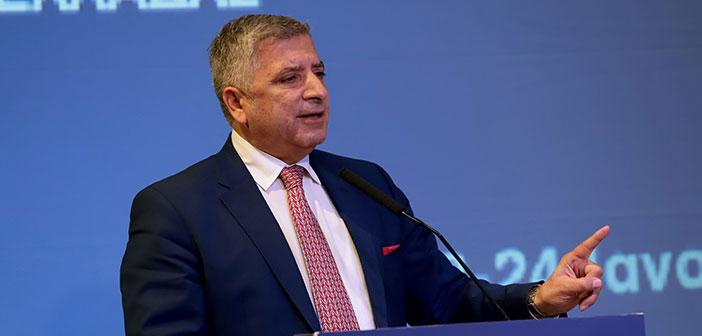 Απονομή μεταλλίου στον Γ. Πατούλη από τον πρόεδρο της Παλαιστινιακής Αρχής