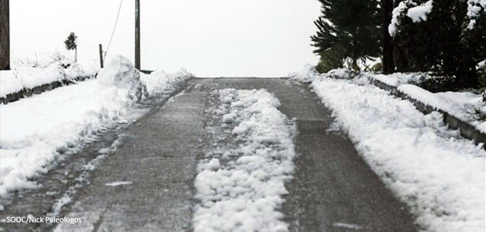 Προβλήματα από τα χιόνια – Διακοπή κυκλοφορίας στην περιφερειακή Πεντέλης – Ν. Μάκρης και στη Λ. Πάρνηθας