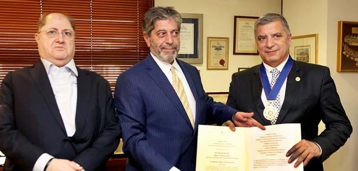 Απονομή μεταλλίου στον Γ. Πατούλη από τον πρέσβη του Κράτους της Παλαιστίνης στην Ελλάδα