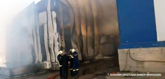 Πυρκαγιά σε αποθήκη χαρτικών στα Γλυκά Νερά