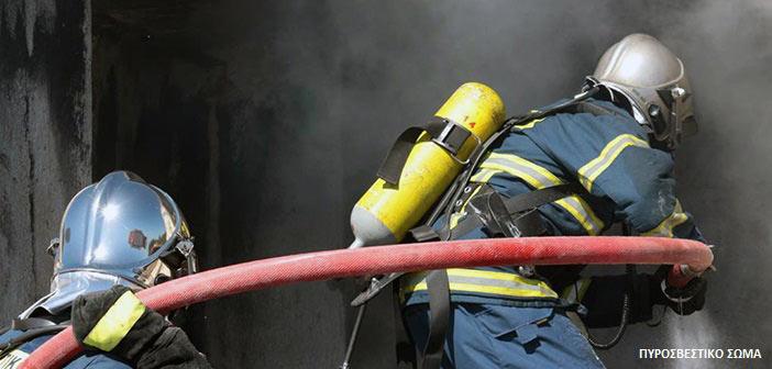 Μεγάλη πυρκαγιά σε κατάστημα παιχνιδιών στο Χαλάνδρι