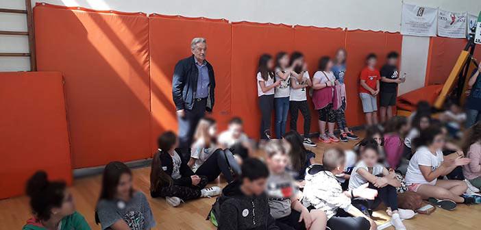 Στην τελετή βράβευσης των μαθητών στον 2ο Διαγωνισμό Ανακύκλωσης ο Πάνος Βραχνός