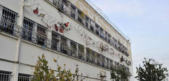 Εκτεταμένα επεισόδια στις φυλακές Κορυδαλλού – Μέχρι το διοικητήριο έχουν φτάσει οι κρατούμενοι