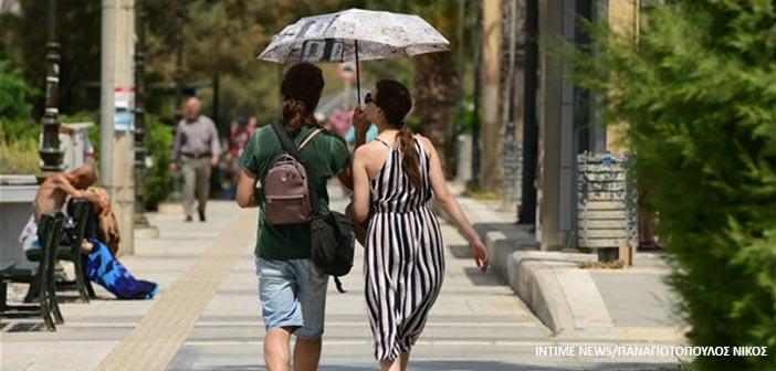 Ο καιρός το Σάββατο: Ηλιοφάνεια αλλά και… τοπικές βροχές