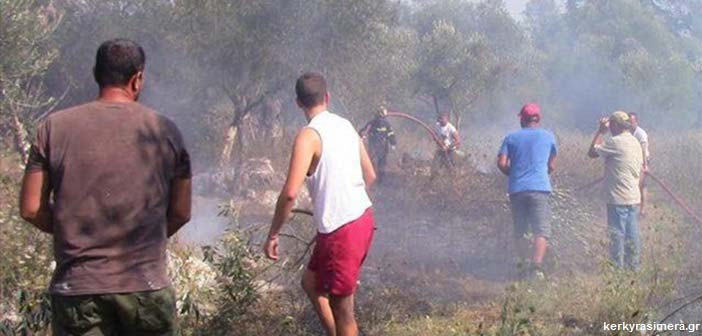 Κέρκυρα: Μεγάλη φωτιά στα νότια – Εκκενώνονται δύο χωριά