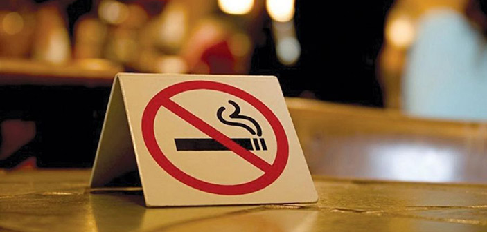 Ο Δήμος Αθηναίων τριπλασίασε σε έναν χρόνο τους ελέγχους για το κάπνισμα