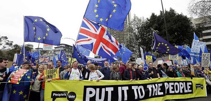 Η Γαλλία θα θέσει βέτο για νέα παράταση του Brexit