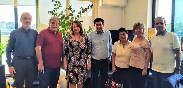 Τον δήμαρχο συνάντησαν μέλη του Συλλόγου Μικρασιατών Πεύκης – Λυκόβρυσης «Ιωνία»