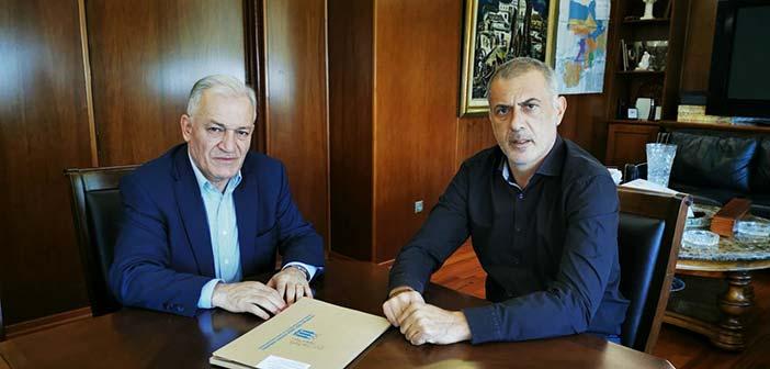Συνάντηση του υποψηφίου προέδρου της ΚΕΔΕ Λ. Κυρίζογλου με τον δήμαρχο Πειραιά