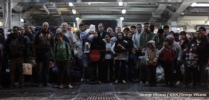 Πάνω από 850 αιτούντες άσυλο μεταφέρονται από Σάμο και Λέσβο στην ενδοχώρα