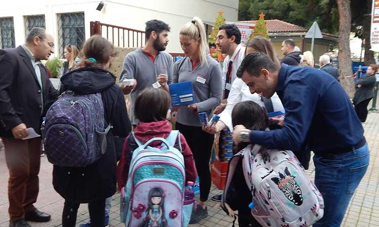 Διανομή μικρού γεύματος σε όλους τους μαθητές του 1ου Δημοτικού Σχολείου Μεταμόρφωσης