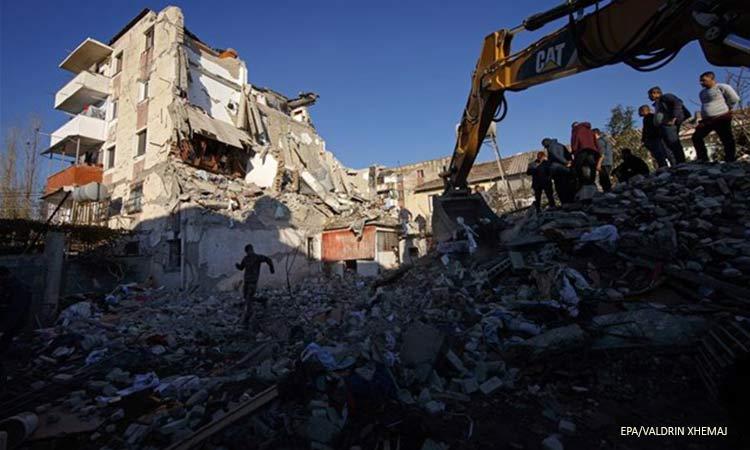 Αλβανία: Δεκαέξι οι νεκροί από τον ισχυρό σεισμό – Πάνω από 600 οι τραυματίες