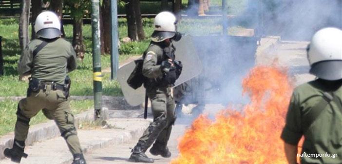 Εξάρχεια: Μολότοφ και χημικά στη Ζαΐμη