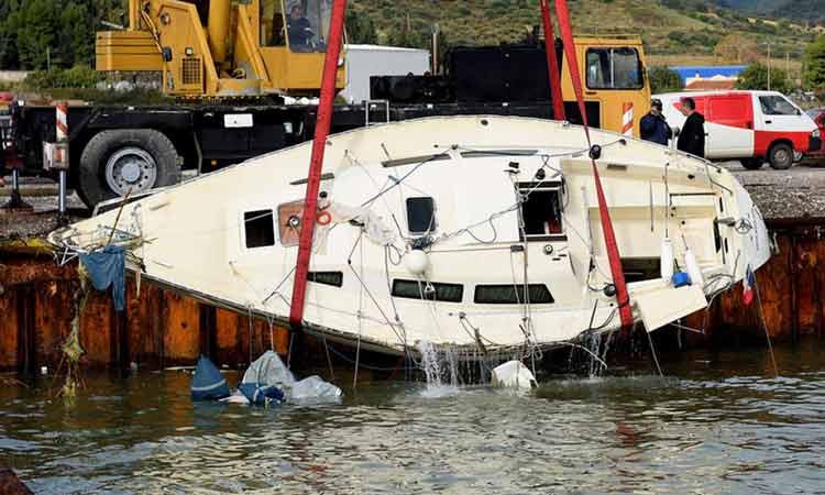 Ανατροπή στην τραγωδία στο Αντίρριο: Έλληνες τελικά οι δύο νεκροί