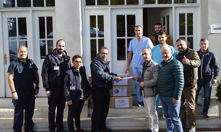 Στο Πανεπιστημιακό Νοσοκομείο Τιράνων το κλιμάκιο ιατρών που αναχώρησε από την Περιφέρεια Αττικής