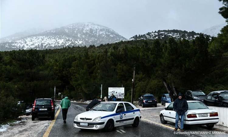 Αττική: Προβλήματα στην κυκλοφορία λόγω χιονόπτωσης