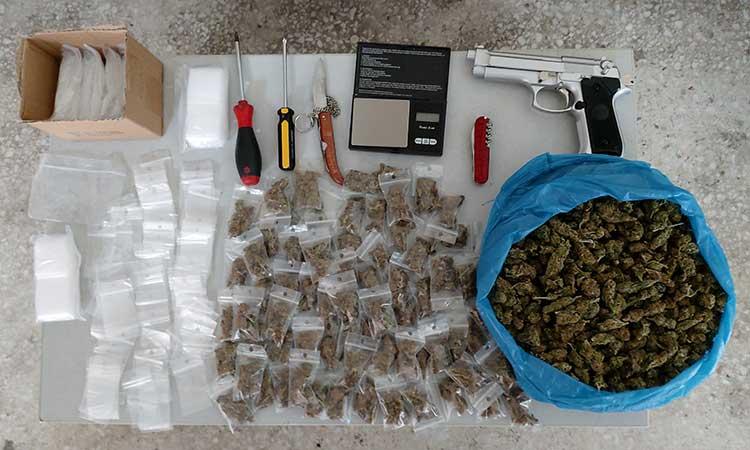 Εξαρθρώθηκε σπείρα που διέπραττε ληστείες, κλοπές και διακινούσε ναρκωτικά σε διάφορες περιοχές της Αθήνας