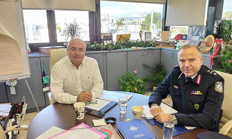 Αύξηση των περιπολιών στο Ηράκλειο Αττικής συζητούν δήμαρχος και Αστυνομία