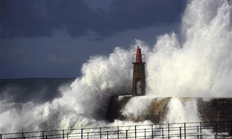 Η καταιγίδα «Γκλόρια» σφυροκοπεί την Ισπανία