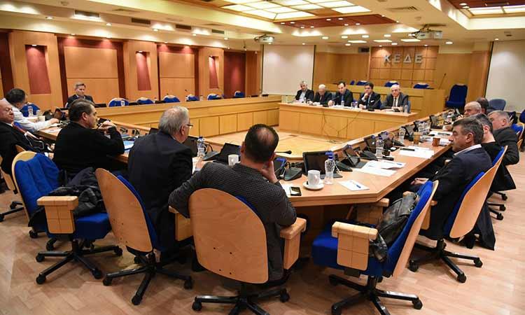 Μεταναστευτικό, ΕΣΠΑ και αρμοδιότητες Αυτοδιοίκησης στο «τραπέζι» της 1ης σύσκεψης ΚΕΔΕ – ΠΕΔ