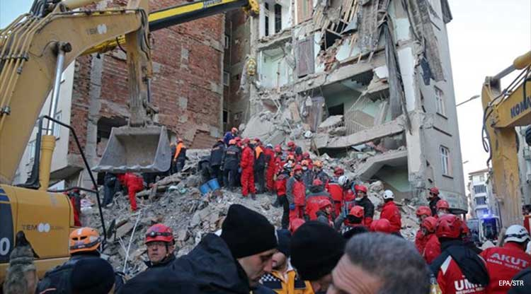 Σεισμός στην Τουρκία: Οι ελπίδες λιγοστεύουν, αλλά δεν πεθαίνουν