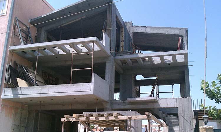Ερωτήματα Μ. Διακολιού για την ανέγερση κτηρίου γραφείων σε περιοχή αμιγούς κατοικίας στην Αγ. Φιλοθέη Αμαρουσίου