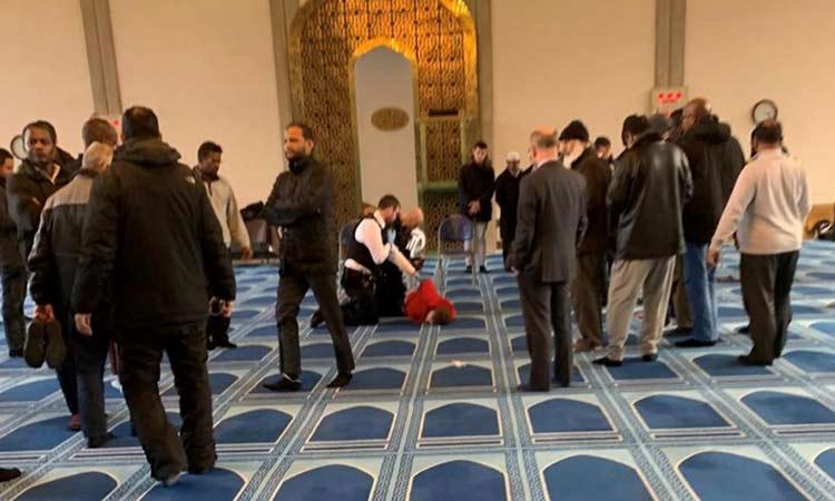 Λονδίνο: Επίθεση με μαχαίρι σε τζαμί – Συνελήφθη ο δράστης