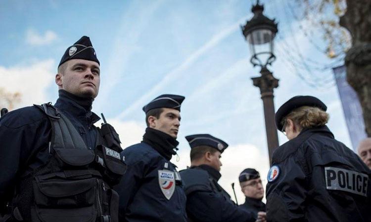 Γαλλία: Άνδρας οπλισμένος με μαχαίρι εισέβαλε σε αστυνομικό τμήμα