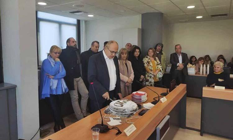 Την πρωτοχρονιάτικη πίτα των εργαζομένων του Δήμου Ηρακλείου Αττικής έκοψε ο Ν. Μπάμπαλος