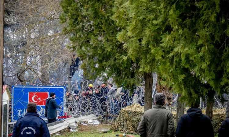 Η Τουρκία στέλνει 1.000 αστυνομικούς των ειδικών δυνάμεων στα ελληνοτουρκικά σύνορα