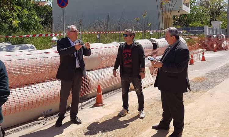 Αυτοψίες σε εκτελούμενα έργα της πόλης πραγματοποιεί ο δήμαρχος Αμαρουσίου Θ. Αμπατζόγλου